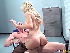 Blonde lady just started working in a new office and already got fucked during a coffee break