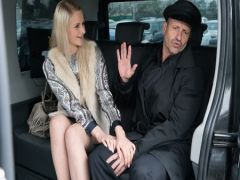 The subwalking Jason Statham earns additionally in a taxi service and fucks the passenger