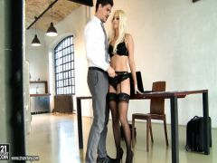 The gray secretary in black stockings accepts a big dick in an ass