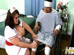 The guy snoshat the sisyasty nurse in an ass