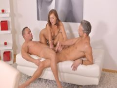 The wife changed the guy with the friend for a group sex three together
