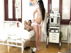 The nurse sucks the member to the patient from chamber of intensive therapy