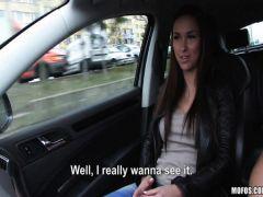 Подвез жену приятеля и трахнул ее в машине