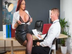 The busty milfa in the person of the businesswoman tries in business the member of the new employee