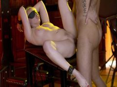Парень из Подмосковья занимается сексом БДСМ с хрупкой блондинкой