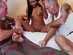 Porno секс молодых со старыми