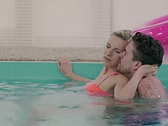 Blonde lady and her lover are considering underwater fucking, because it sounds like a lot of fun